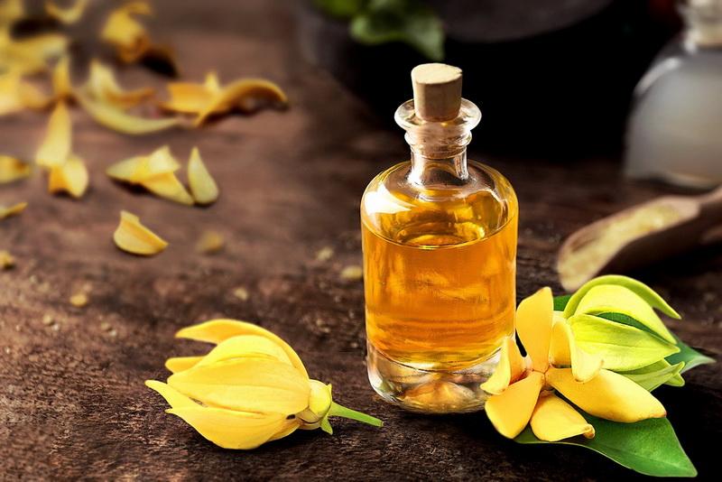 Эфирное масло Иланг-Иланг для женской красоты и здоровья | Школа Радости Марины Ракитянской
